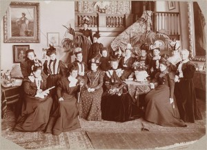 historical novelSocial Club Daughters of the American Revolution 1898 300x217 Edwardian Hat Fashion Goes to the Birds