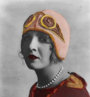 historical novelcloche hat e1359426781768 300x325 Edwardian Hat Fashion Goes to the Birds