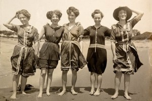 swim-women-bathing-suits-1908